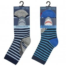 42B640: Boys 3 Pack Cotton Rich Design Ankle Socks (Assorted Sizes)