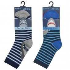 42B641: Boys 3 Pack Cotton Rich Design Ankle Socks (Shoe Size 6-8.5)