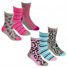43B650: Girls 3 Pack Cotton Rich Design Ankle Socks (Assorted Sizes)