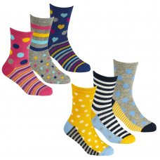 43B658: Girls 3 Pack Cotton Rich Design Ankle Socks (Assorted Sizes)
