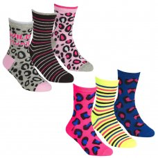 43B676: Girls 3 Pack Cotton Rich Design Ankle Socks (Assorted Sizes)