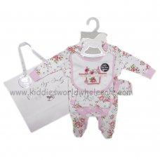 AQMT4C: Baby Girls Floral 6 Piece Net Bag Gift Set (NB-6 Months)