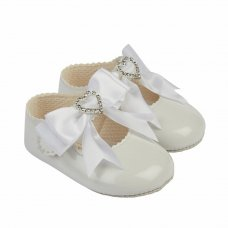 B062: Baby Girls Bow & Diamante Heart Soft Soled Shoe- White (Shoe Sizes: 0-3)