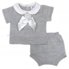 MC404G: Baby Grey Knitted 2 Piece Outfit With Bow (0-9 Months)