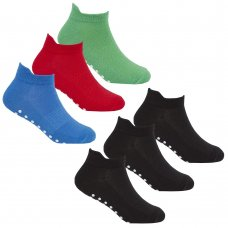 42B567: Boys 3 Pack Gym Socks With Grippers