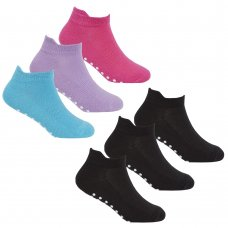 43B570: Girls 3 Pack Gym Socks With Grippers