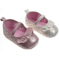 B2124: Girls Slip On Shoes (6-15 Months)