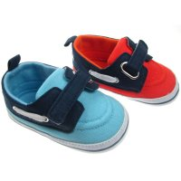 B2138: Boys Velcro Fasten Shoes (6-15 Months)