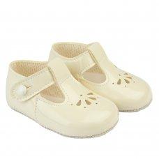 B617: Baby Soft Soled Shoe- Ivory (Shoe Sizes: 0-4)