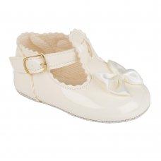 B861: Baby Girls Soft Soled Shoe- Ivory (Shoe Sizes: 0-4)