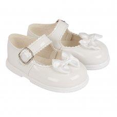 H505: Baby Girls Hard Soled Shoe- White (Shoe Sizes: 2-6)